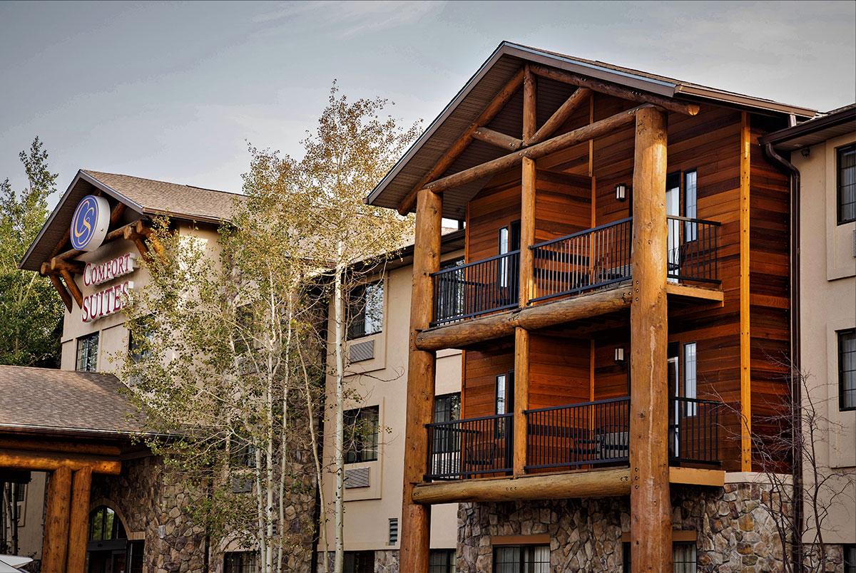 Exterior Photo of Comfort Suites Golden West on Evergreen Parkway Hotel